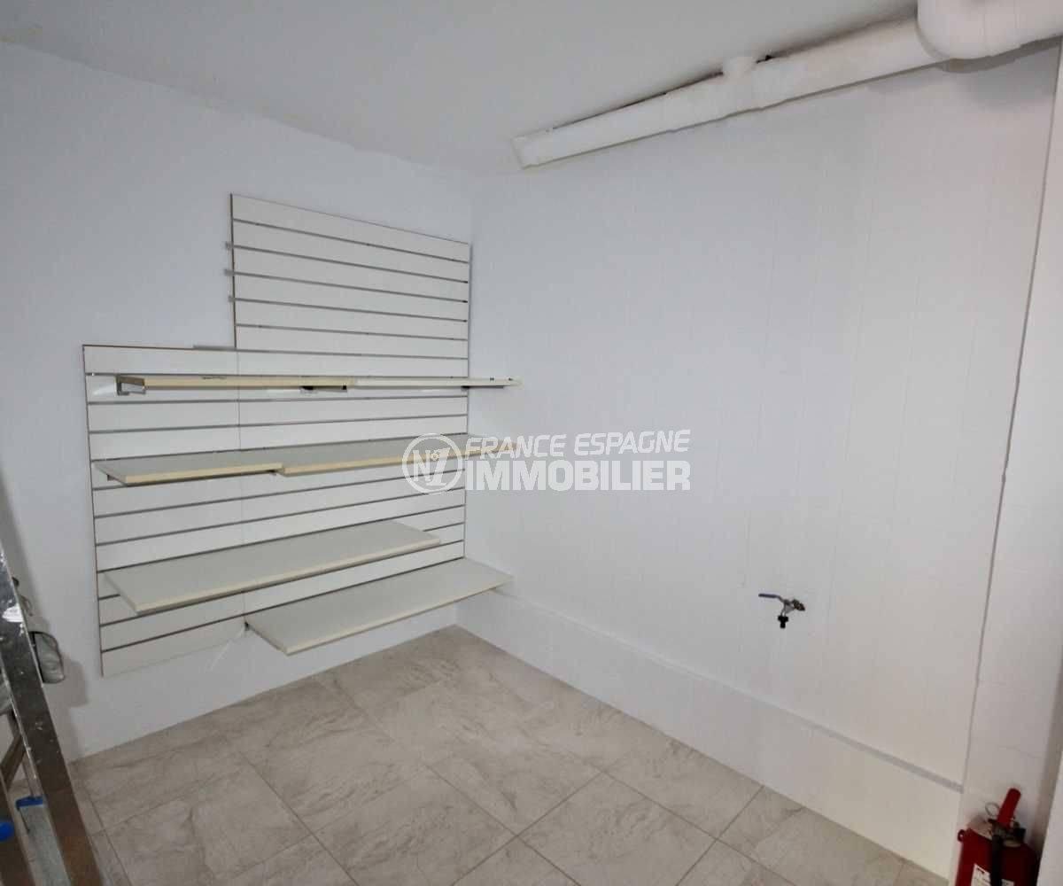agence empuriabrava: commerce local 118 m², possibilité rangements