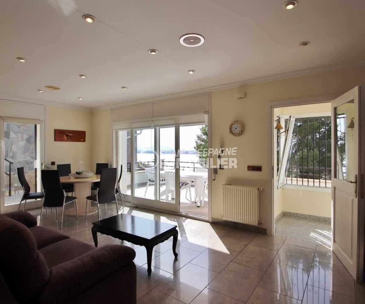 agence immobiliere rosas: magnifique villa terrasse vue mer, 4 chambres