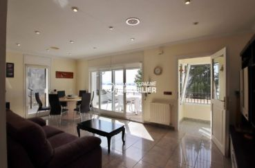 agence immobiliere rosas ref.3713: salon / salle à manger accès terrasse et véranda