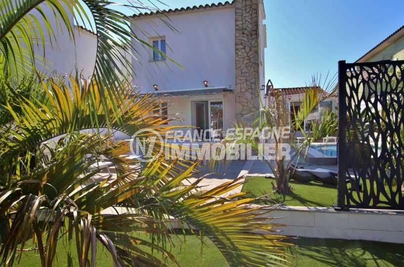 immobilier empuriabrava, à vendre: villa standing avec piscine & amarre