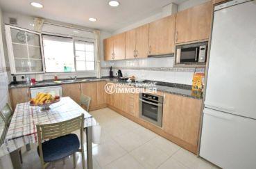 immo empuriabrava: villa 188 m², cuisine indépendante équipée et fonctionnelle