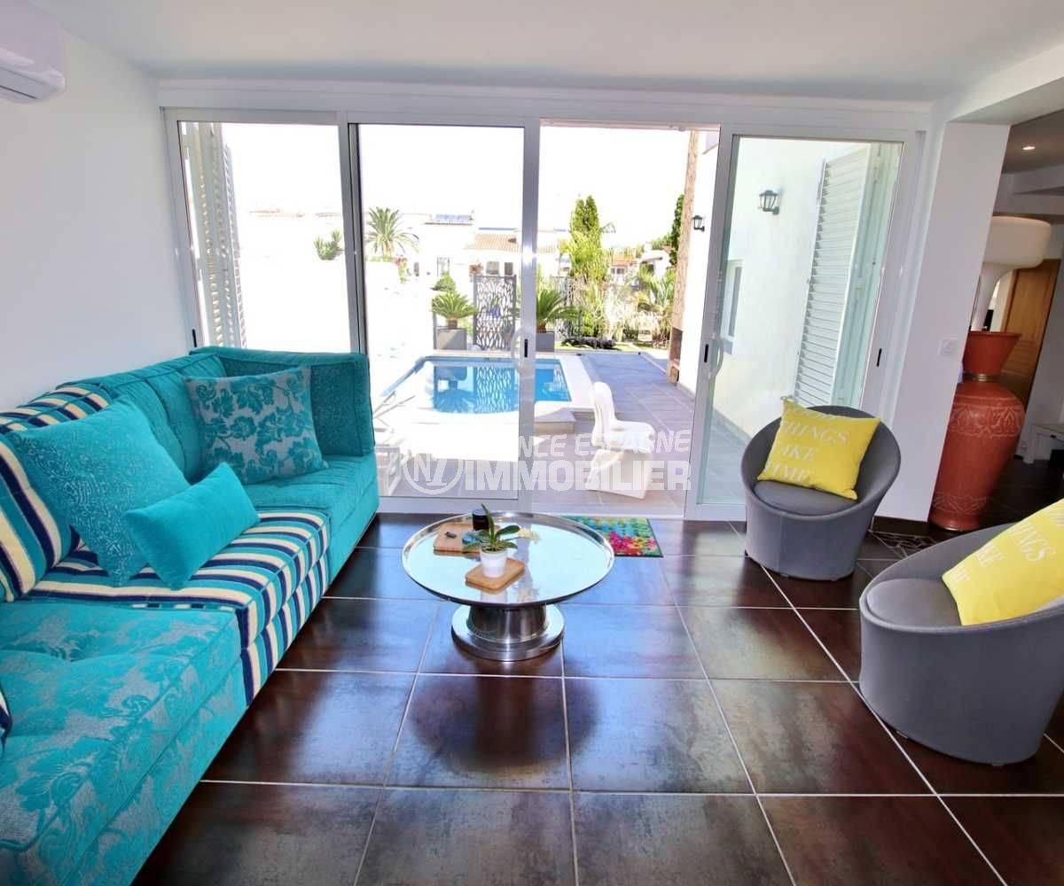immobilier empuria brava, à vendre: villa standing avec piscine & amarre