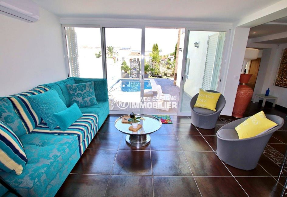 immobilier empuria brava, à vendre: ref.3720, le séjour avec accès à la piscine