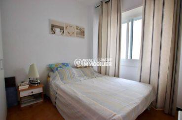 appartement empuria brava: appartement terrasse 9 m² vue canal, 2 amarres