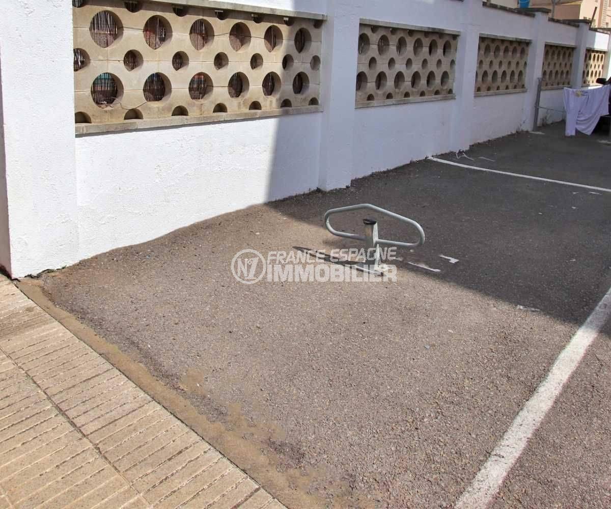 vente appartement rosas, atico, terrasse 23 m², proche plage - parking privé