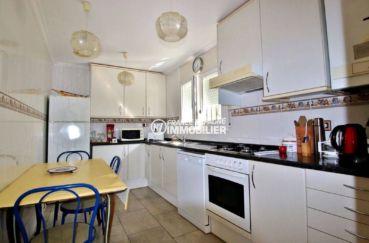 immo roses: villa ref.3713, aperçu de la cuisine indépendante aménagée