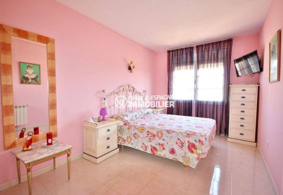 maison à vendre empuriabrava, garage, deuxième chambre avec lit double