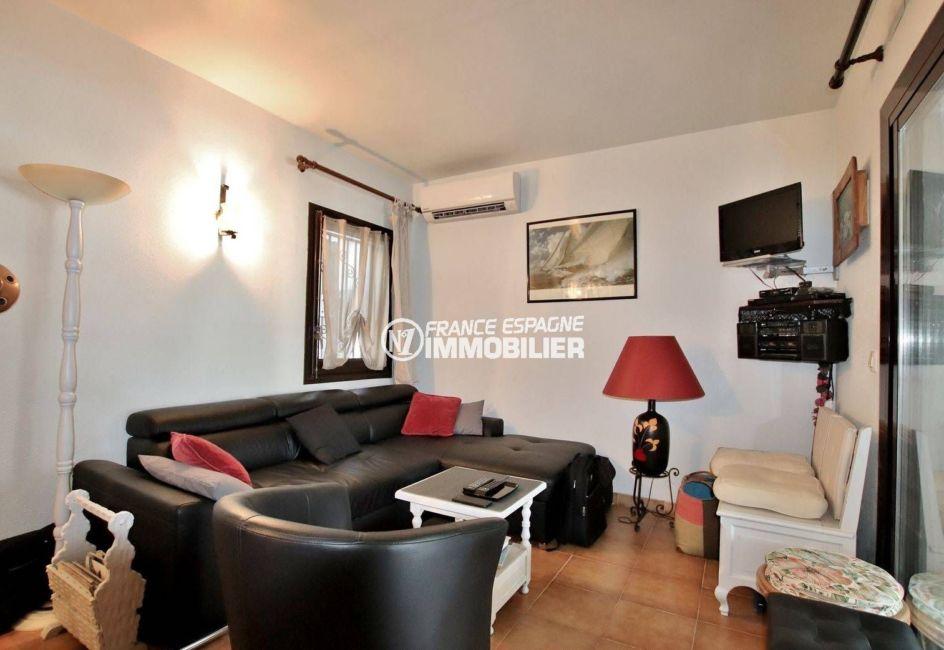 vente maison espagne costa brava, 2 chambres, terrasse 39 m², vue canal, piscine en commun