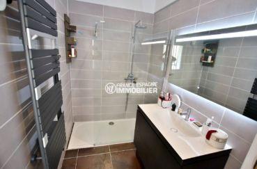 maison a vendre a empuriabrava avec amarre, ref.3720, salle d'eau avec douche et vasque