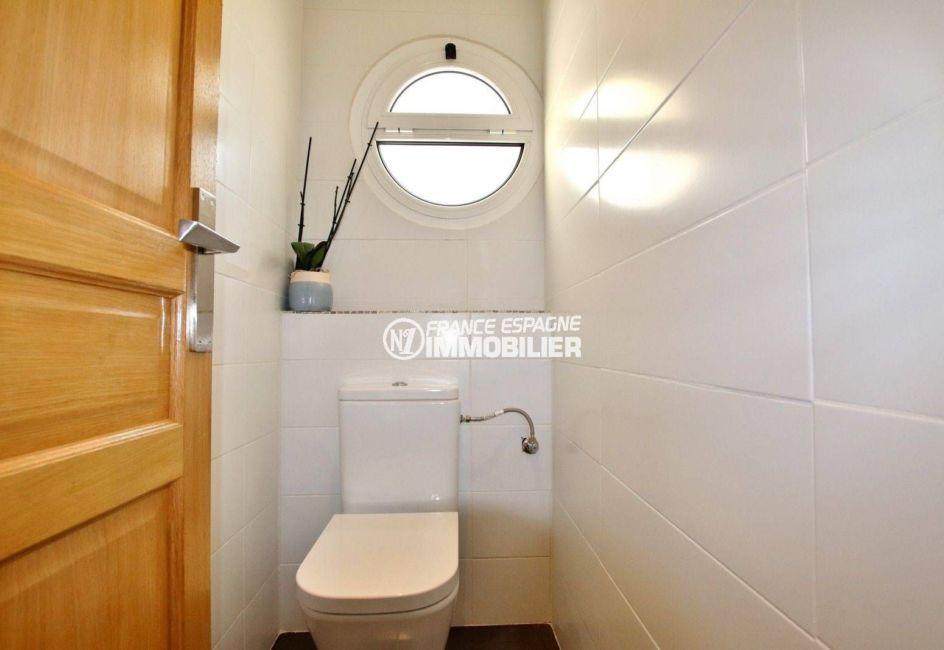 vente maison costa brava, ref.3720, toilettes indépendants avec fenêtre