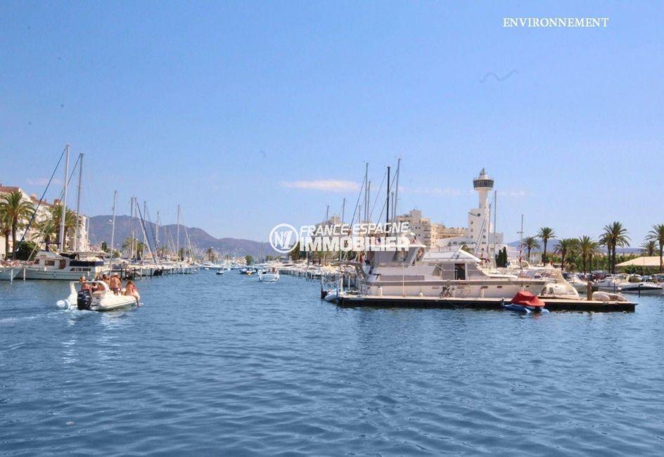 le port de plaisance d'empuriabrava avec ses superbes bateaux
