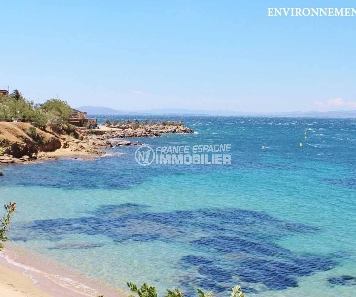 roses immobilier: villa ref.3713, aperçu du paysage et de la plage à proximité