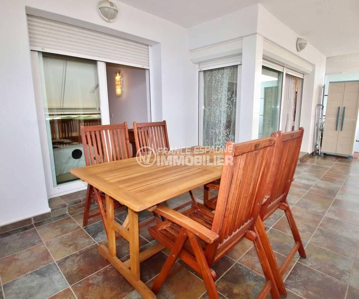 immo rosas: appartement ref.3748, belle terrasse pour déjeuner avec vue dégagée sur les montagnes