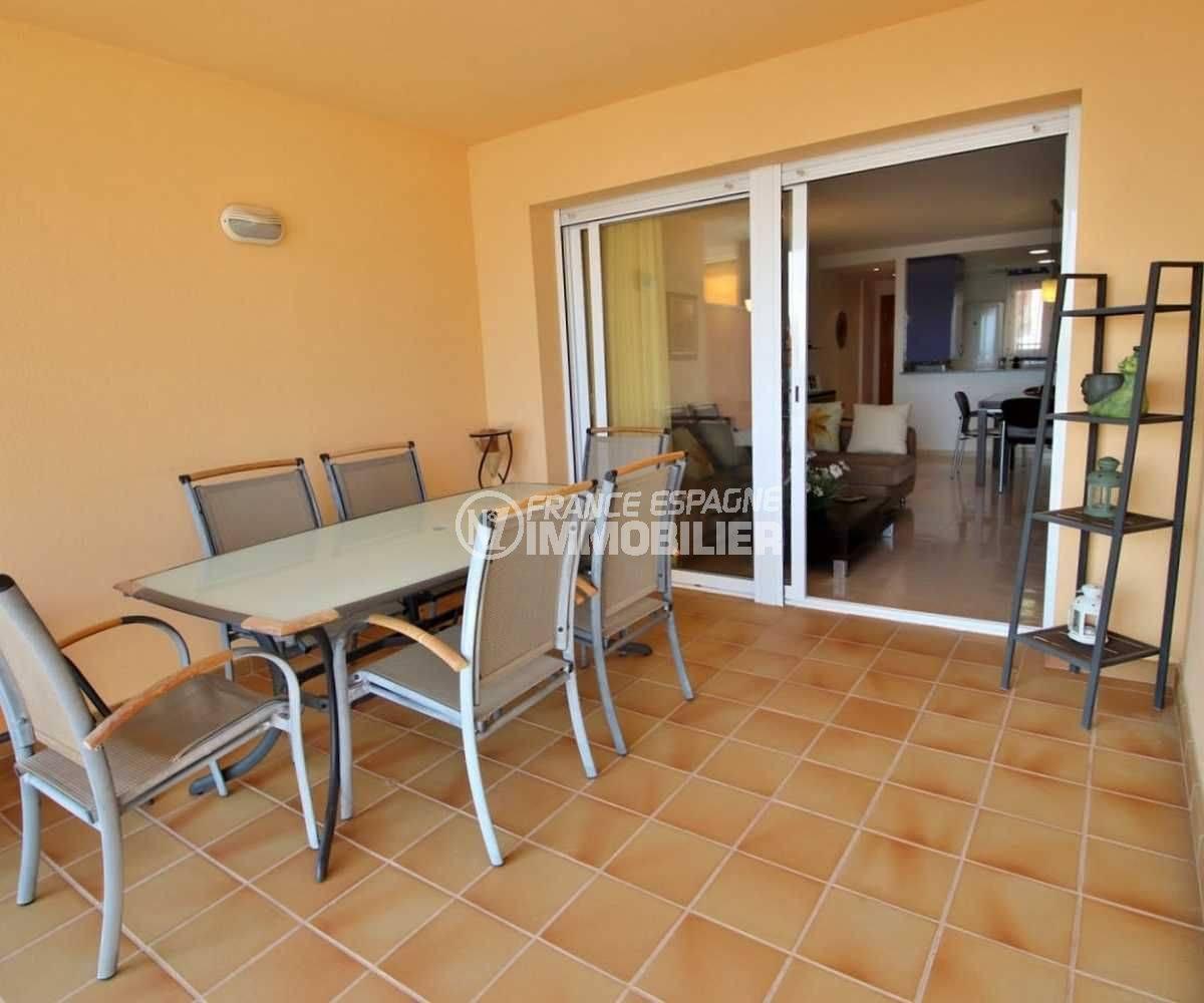 agence immobiliere rosas santa margarita: appartement 3745, aperçu terrasse & accès séjour