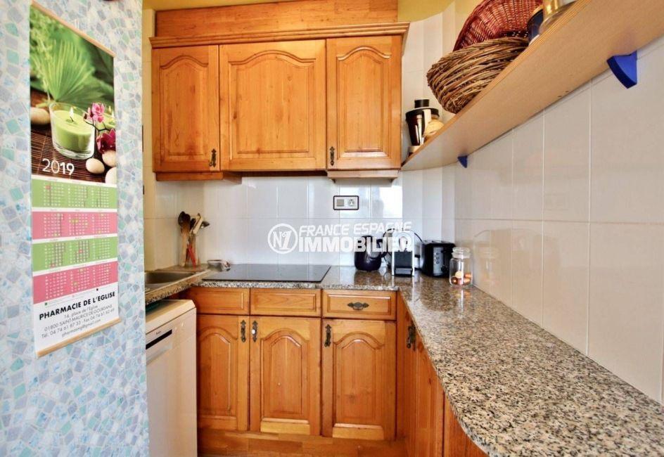 appartement a vendre a rosas, ref.3746, cuisine aménagée et fonctionnelle avec rangements