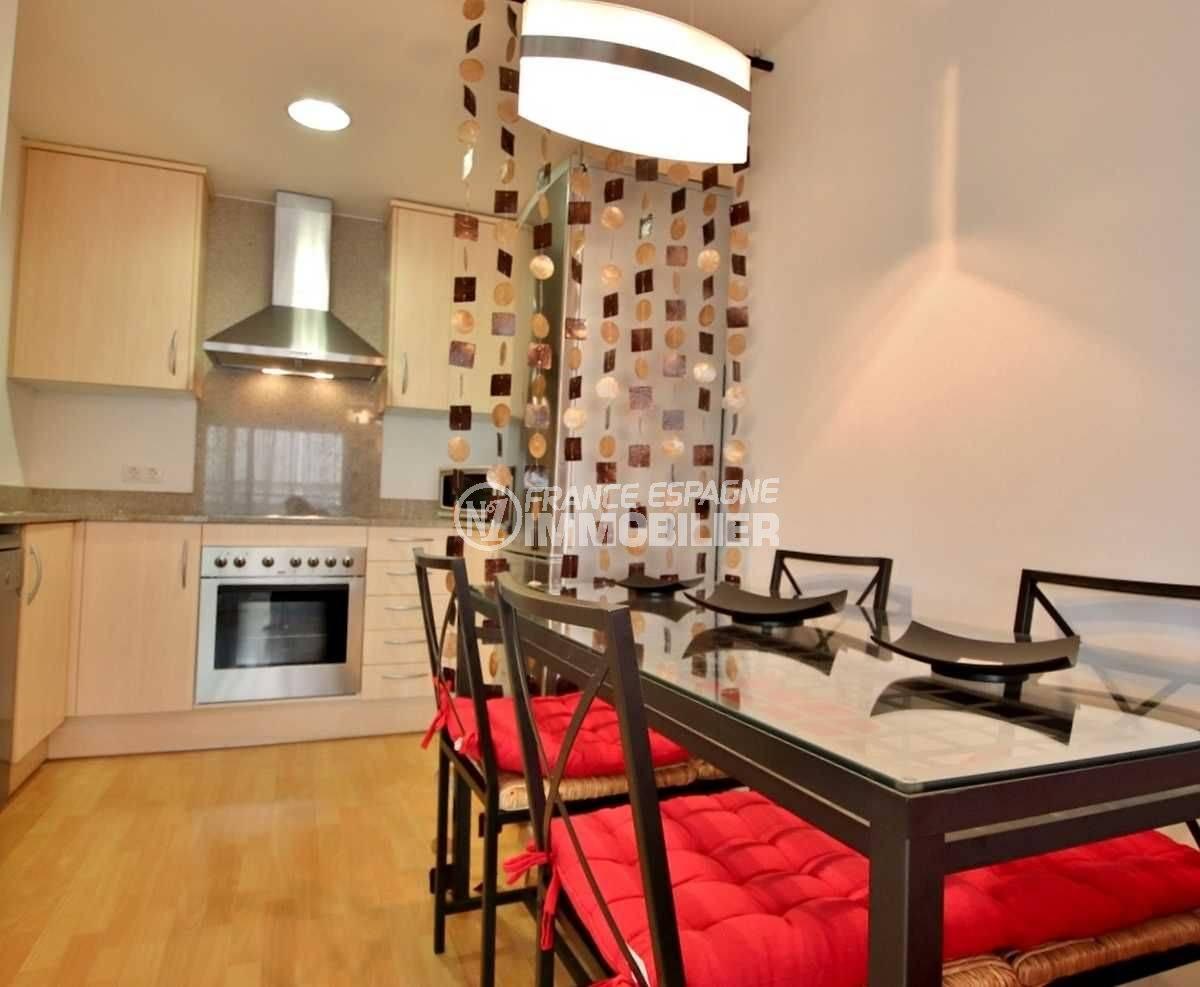 agence immobiliere rosas: appartement ref.3748, coin salle à manger et cuisine