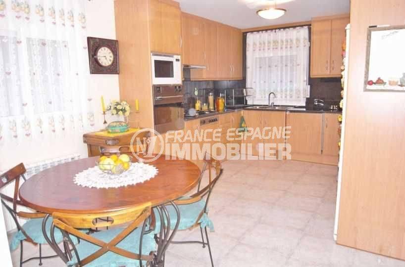 immobilier espagne costa brava: villa ref.377, cuisine indépendante aménagée accès direct au garage