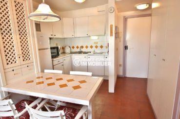 appartements a vendre a rosas: ref. 3739, vue sur le coin cuisine