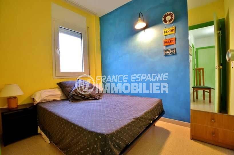 immobilier roses espagne: appartement ref.3746, chambre 2 avec lit double et rangements