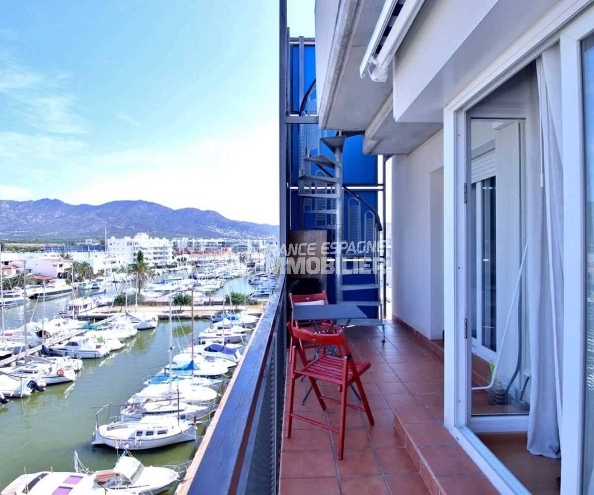 appartements a vendre a rosas, possible parking, terrasse de 7 m² vue sur la marina