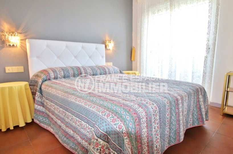 santa margarita rosas: ref. 3739, appartement proche plage, vue sur la chambre