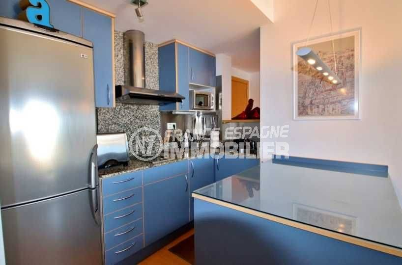 acheter appartement rosas, 48 m², cuisine fonctionnelle avec des rangements