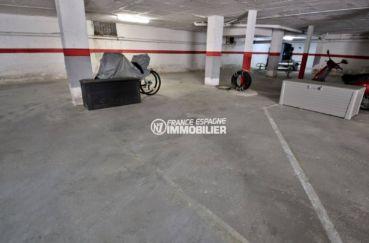 immocenter roses: appartement ref.3746 avec parking privé en sous-sol