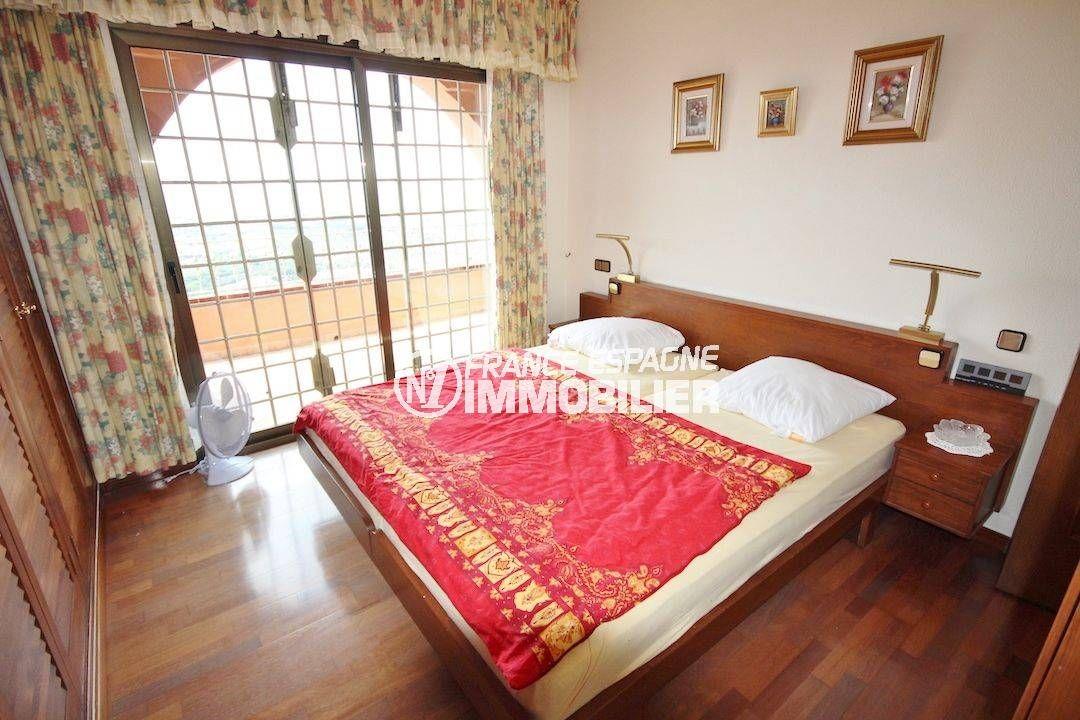 agence rosas: villa 274 m², chambre 2 avec lit double accès terrasse
