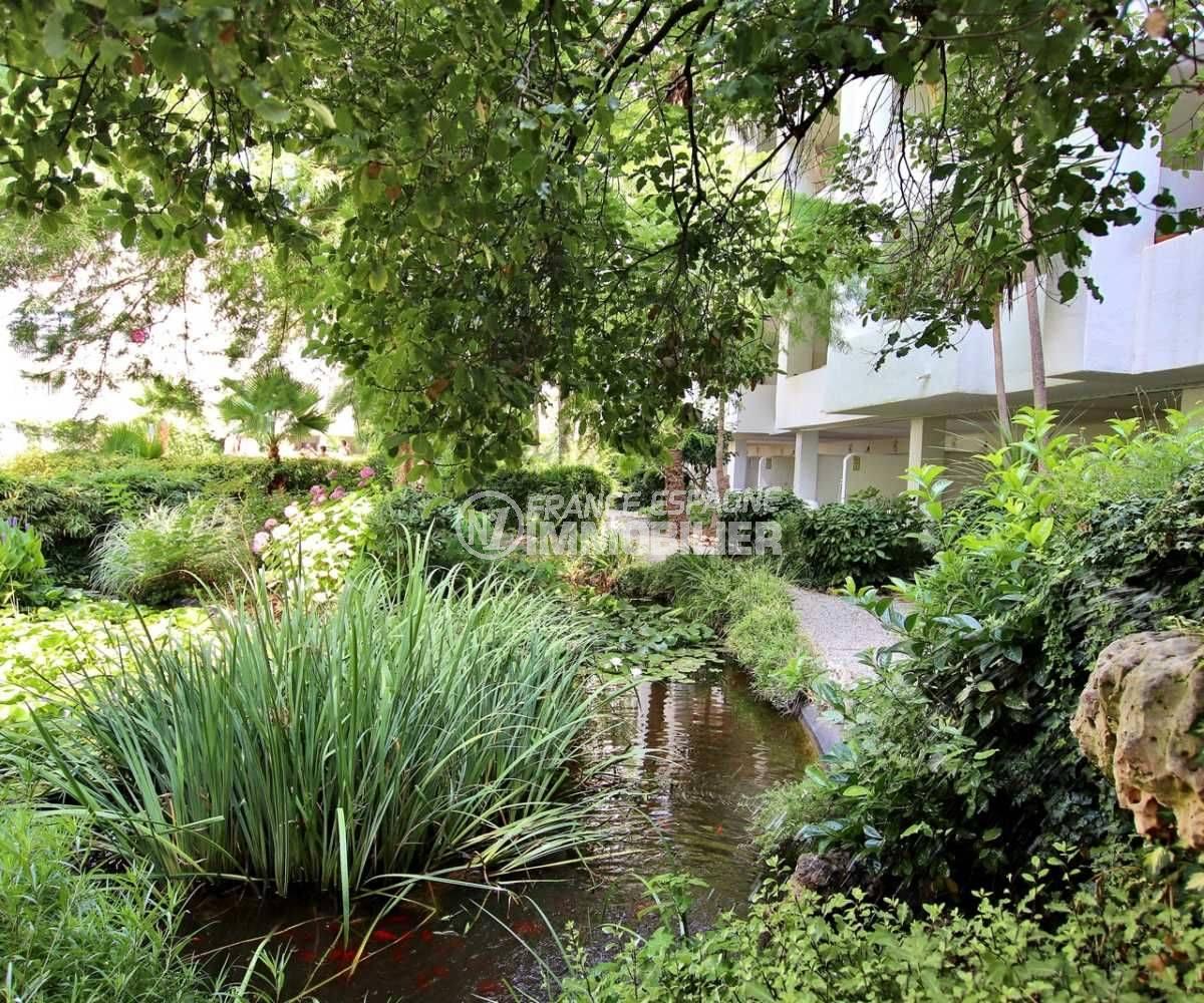 agence immobiliere roses, appartement ref. 3739, vue sur le parc paysagé de la résidence