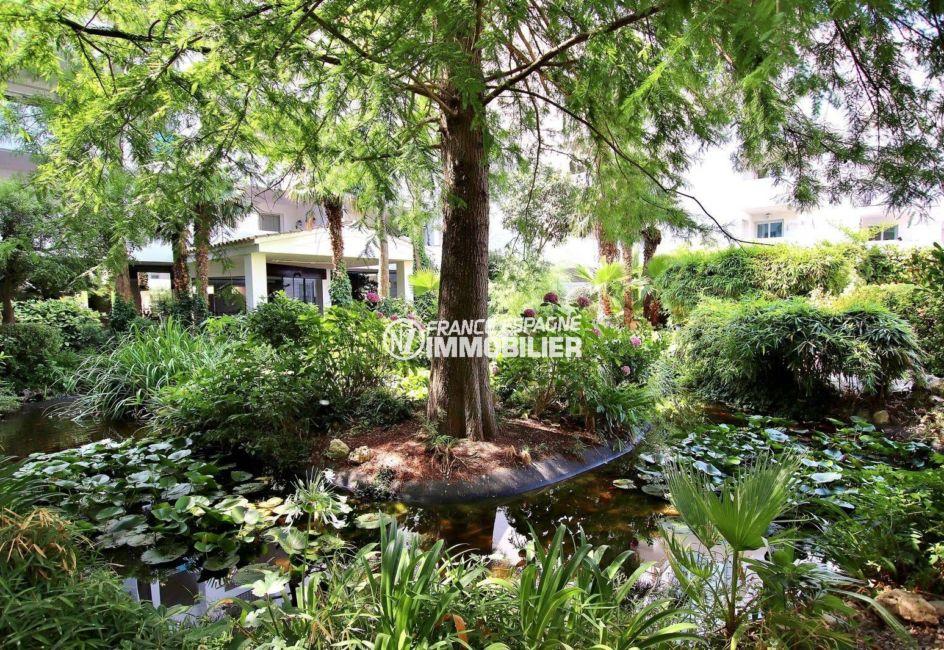 appartement roses, ref.3739, dans résidence avec piscine et parc paysagé
