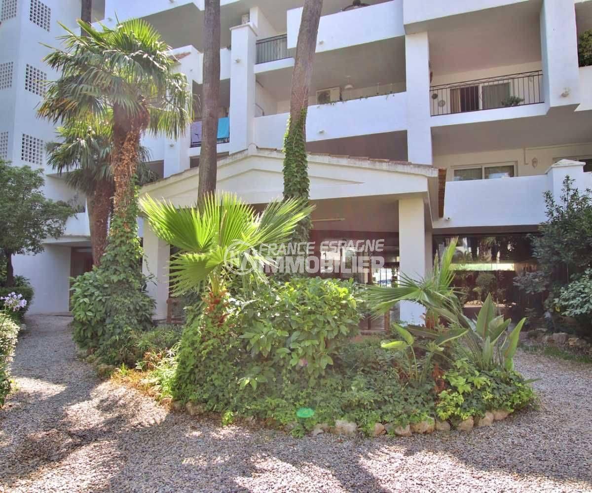 achat appartement rosas: ref.3739, résidence avec piscine et parc paysagé