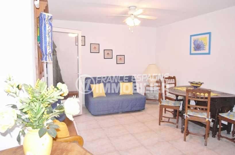 agence immobiliere costa brava: villa ref.377, aperçu séjour du studio indépendant