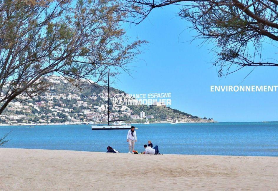 la costa brava: appartement ref.3746, aperçu de la baie et du Puig Rom aux environs