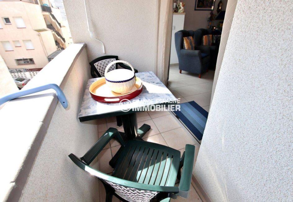 immo costa brava: appartement ref.3749, accès balcon depuis le salon salle à manger