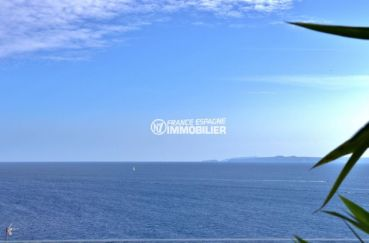 immo roses: appartement atico 99 m², magnifiqe vue de la mer depuis la terrasse