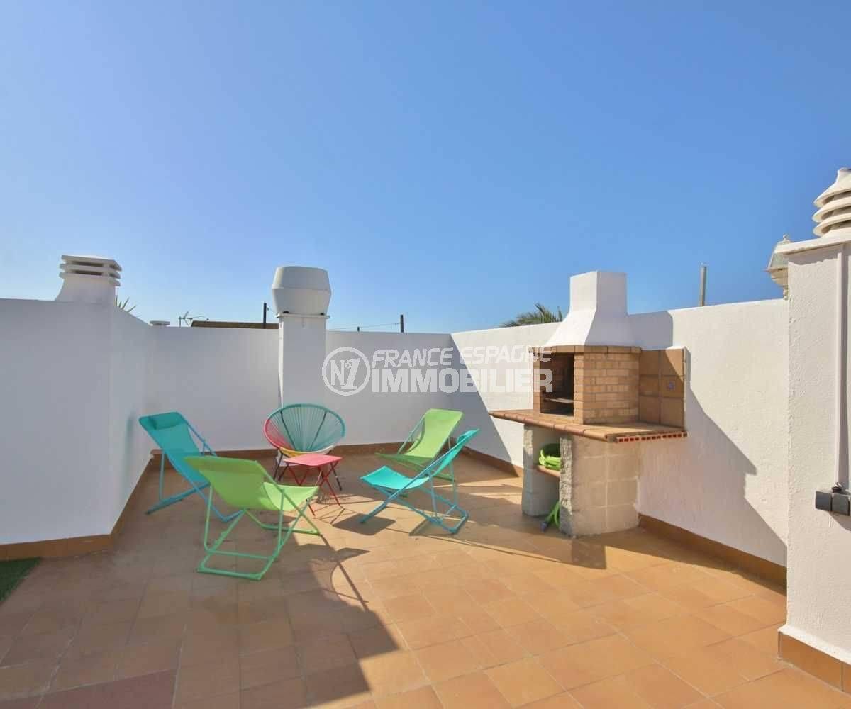 immobilier ampuriabrava: appartement ref.3758, terrasse solarium atico, avec coin BBQ