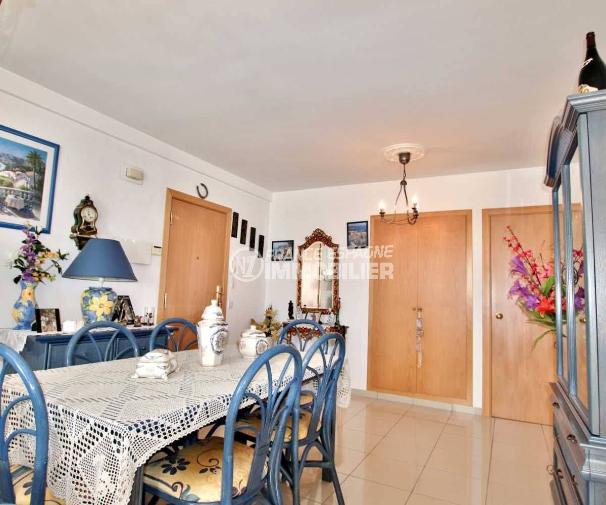 immo rosas: appartement ref.3749, aperçu du coté salla à manger
