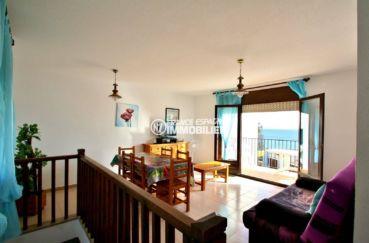 roses espagne: villa 77 m², salon / séjour avec accès terrasse vue mer