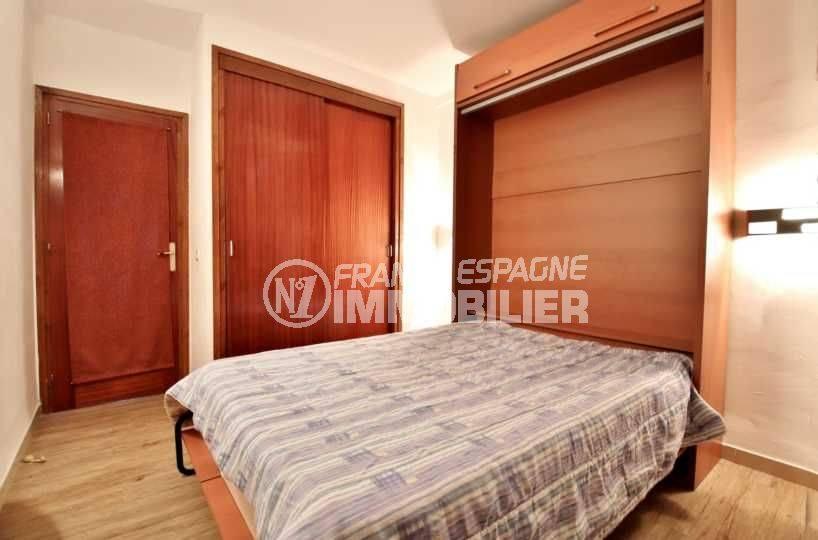 """appartement a vendre a rosas, ref.3761, chambre """"en alcove"""" avec lit double"""