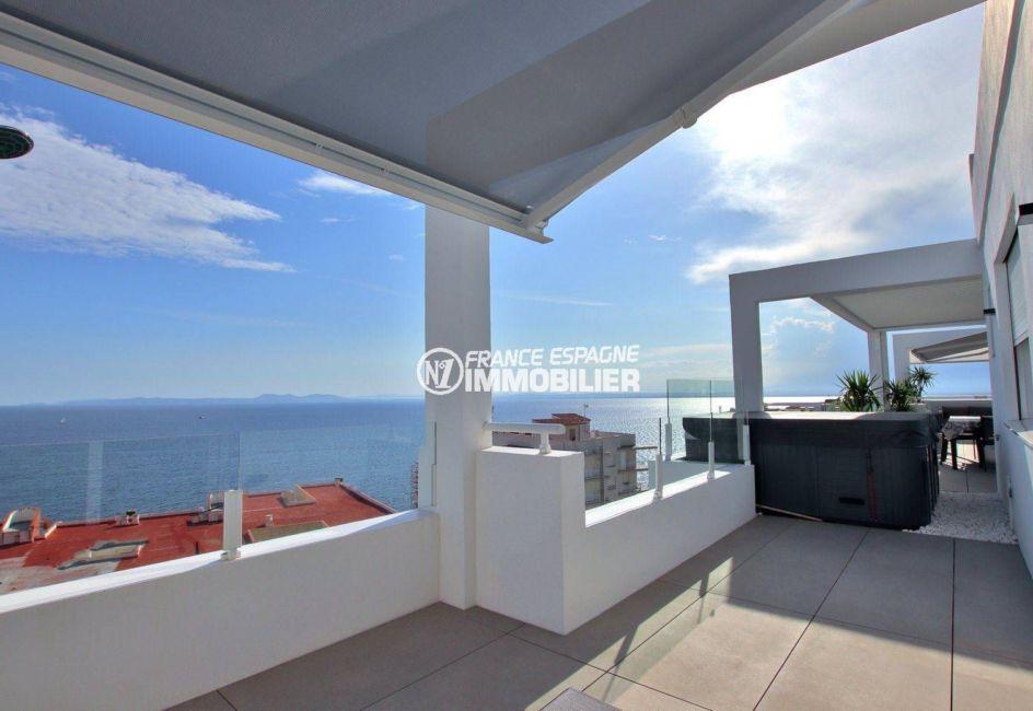 achat appartement rosas, atico 99 m², grande terrasse de 59 m² avec jacuzzi vue mer