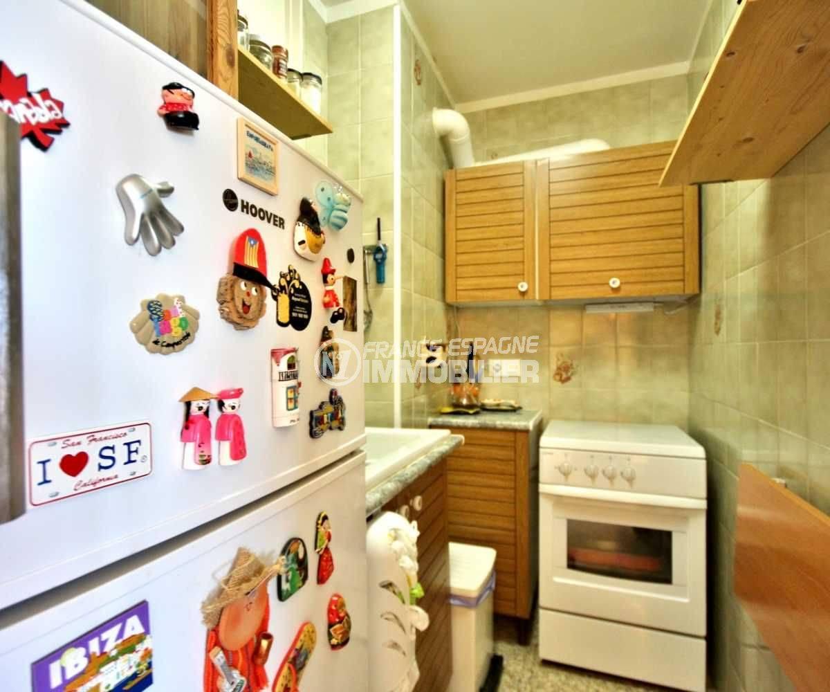immobilier empuriabrava: appartement avec cuisine indépendante aménagée