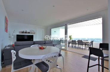 appartement a vendre a rosas, 99 m², salon / salle à manger accès terrasse vue mer