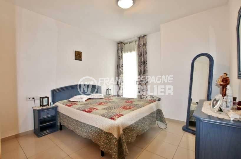 agence immobiliere rosas: appartement ref.3749, aperçu de la première chambre