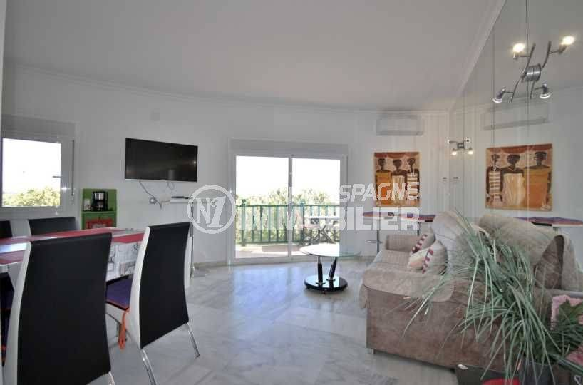 immobilier empuria brava: appartement ref.3758, aperçu du séjour avec accès terrasse