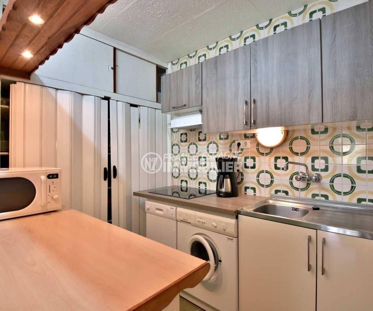 agence immo rosas: appartement ref.3767, vue rapprochée de la cuisine américaine