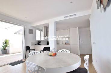 acheter appartement rosas, parking privé, salon / séjour avec cuisine américaine ouverte