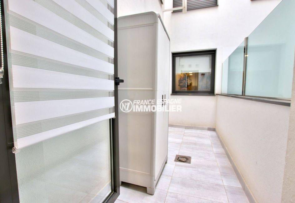 agence immobilière rosas: appartement ref.3768, la petite terrasse accessible depuis la cuisine