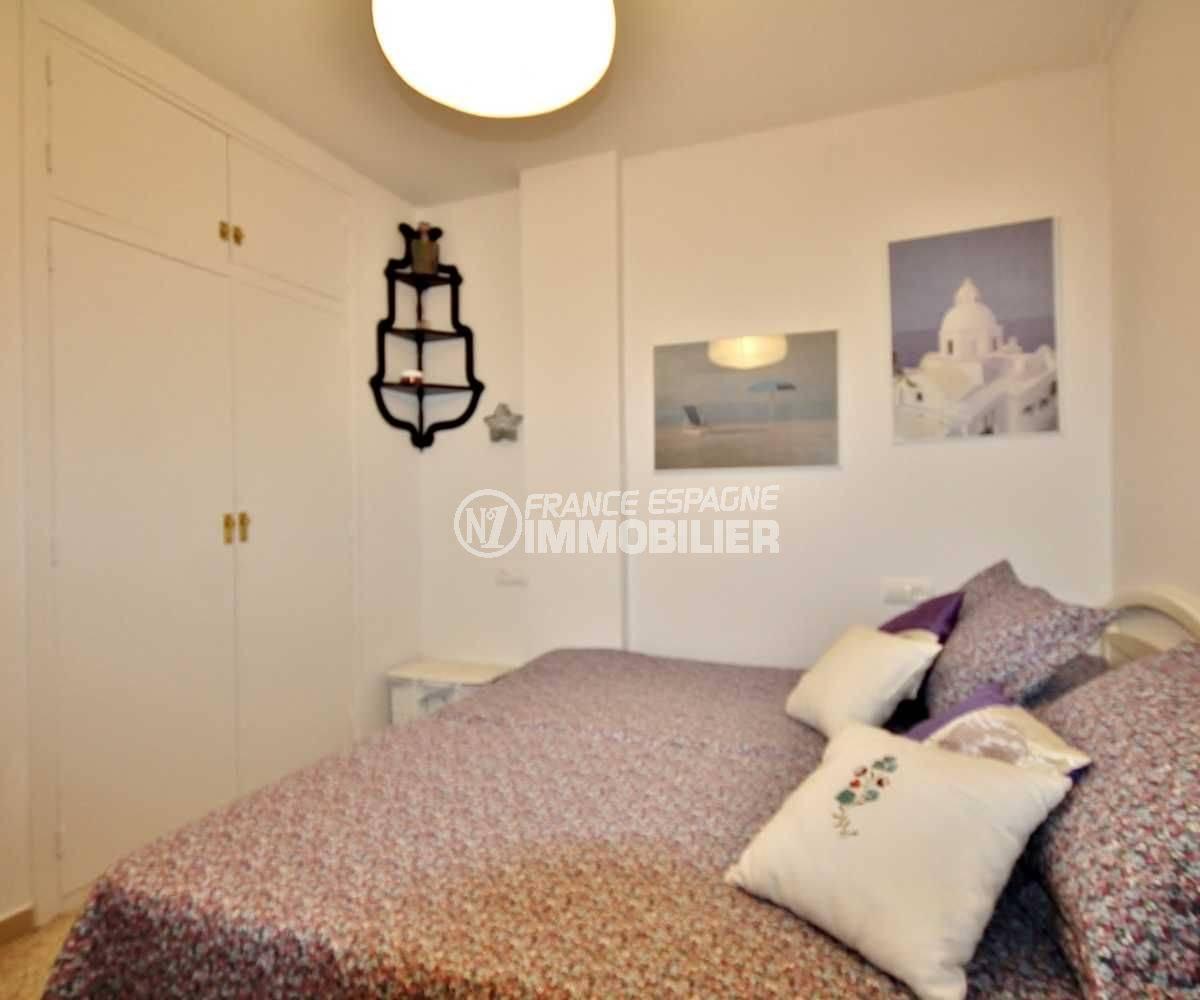agence immobilière empuriabrava: vend appartement 2 chmabres - seconde chambre