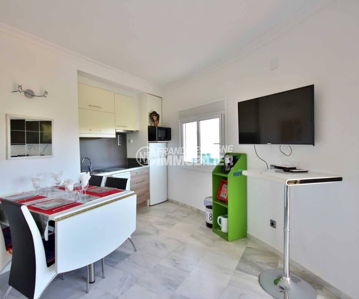 agence immo empuriabrava: appartement ref.3758, coté salle à manger / cuisine
