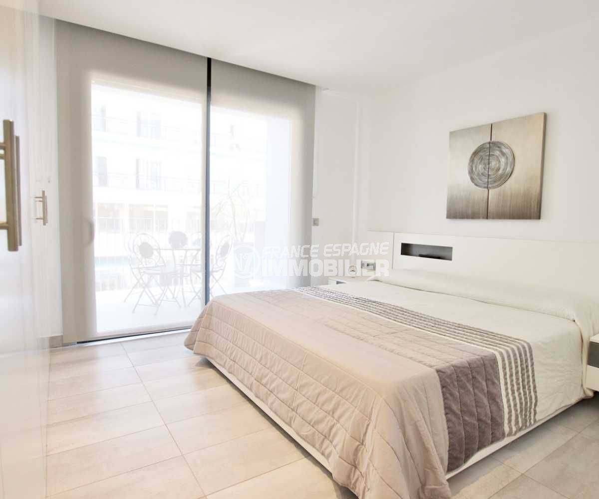 immo espagne costa brava: appartement ref.3768, suite parentale avec accès terrasse